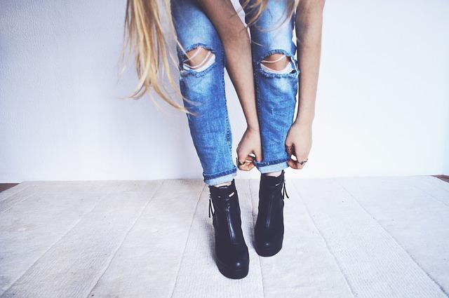 ohrnuté kalhoty